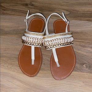 Chain design sandals